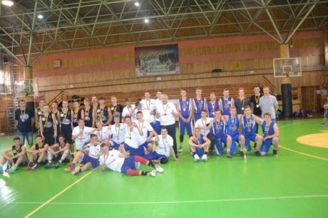 Aštuoniolikmečių ŽMKL čempionatą  laimėjo Plungės SRC komanda